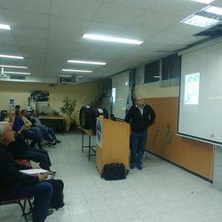 מאיר סייג, נציג יבואן קונטיננטל בישראל מעביר חומר טכני להכרת סוגי הצמיגים, דרכי תחזוקה ותיקון נכון ובעיקר בטיחות